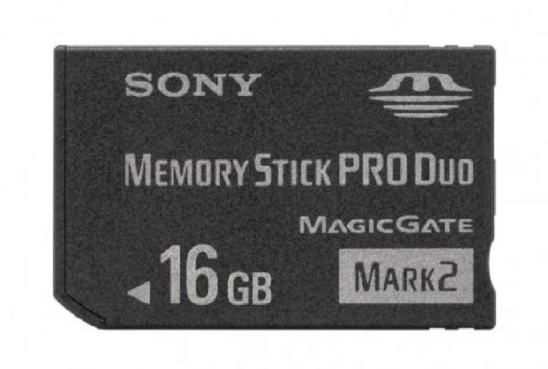 Grip Kit_0007_Sony 16Gb Memory Stick Pro Duo